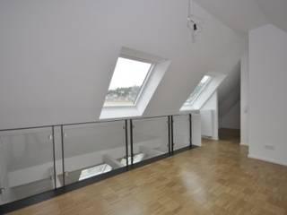 Kleinod unterm Dach:  Schlafzimmer von SIGRUN GERST ARCHITEKTUR