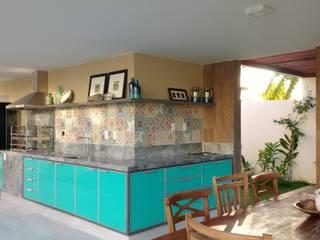 Terrazas de estilo  por Tânia Póvoa Arquitetura e Decoração