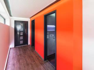 Helwig Haus und Raum Planungs GmbH Pasillos, vestíbulos y escaleras de estilo moderno