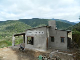 Rumah by FERRER||AGUIRRE ARQUITECTURA+DISEÑO+MUEBLES