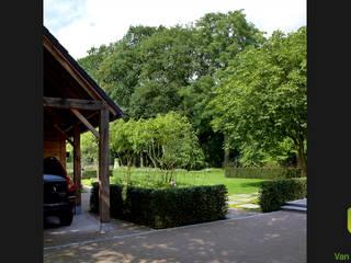 Jardines de estilo rural de Van Mierlo Tuinen | Exclusieve Tuinontwerpen Rural