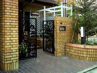 生活を楽しむ庭: Enatsu Garden Architect / 江夏庭苑事務所が手掛けた庭です。,