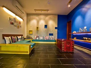 Mr. Harsh Patel Residance Classic style media room by U design studio Classic