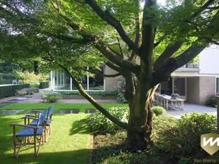 Modern style gardens by Van Mierlo Tuinen | Exclusieve Tuinontwerpen Modern