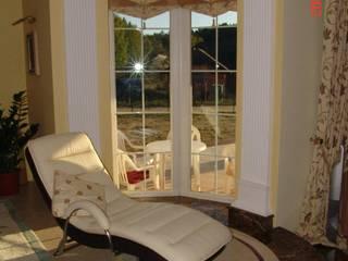 Wnętrze domu w stylu amerykańskim od Arch. Wnętrz Janusz Kościołowski