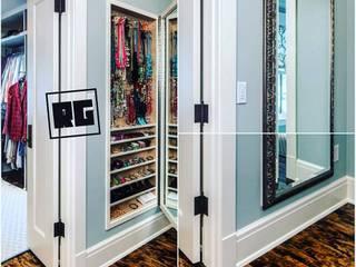 Dressing room by RAGHAN YAPI PROJE MİMARLIK