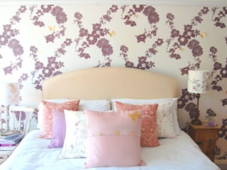 Geo Fleur Bedroom Wallpaper, private commission 2013 Classic walls & floors by Laura Felicity Design Classic