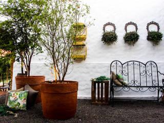 Terrace by AD ARQUITETURA E DESIGN