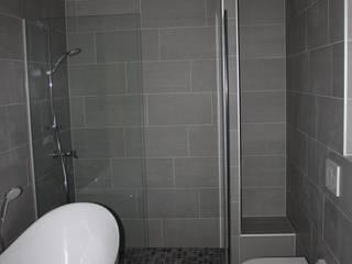 Penthouse Hauser - Architektur Minimalistische Badezimmer