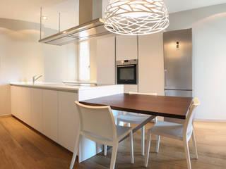 Projekty,  Kuchnia zaprojektowane przez 2P COSTRUZIONI srl,