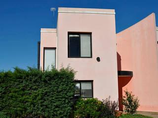 LA SOÑADA COUNTRY – CONCEPCIÓN DEL URUGUAY – ER: Casas de estilo clásico por AM estudios