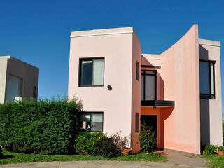 LA SOÑADA COUNTRY – CONCEPCIÓN DEL URUGUAY – ER: Casas de estilo  por AM estudios