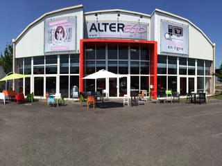 Showroom Alterego Design à Coignières - 01: Salle à manger de style  par Alterego Design