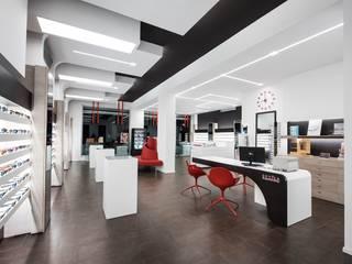 Optica Alessandro: Ingresso & Corridoio in stile  di Laboratorio di Progettazione Claudio Criscione Design
