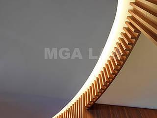 LUXURY IN MILAN Ingresso, Corridoio & Scale in stile moderno di MGA LAB Moderno