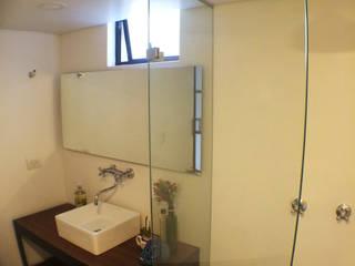 ReformaALT: Baños de estilo  por DeftoHomeStudio INC, Ecléctico