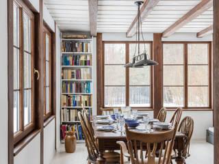 Salas de jantar rústicas por dziurdziaprojekt Rústico