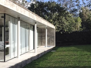 A Glass House: Casas minimalistas por ARCO mais - arquitectura e construção