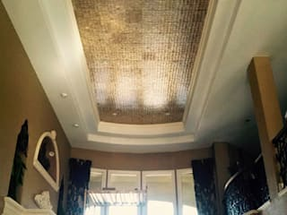 Gold Capiz Shell in Kentucky Home ShellShock Designs Couloir, entrée, escaliers classiques Tuiles Multicolore