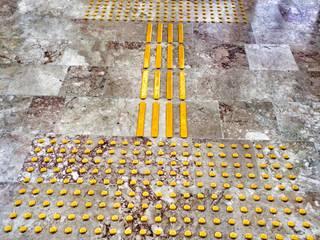 Industrial style corridor, hallway and stairs by NOUVELLE. | Proje Danışmanlık Industrial