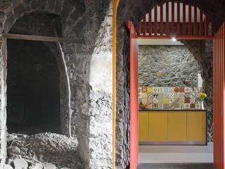 kitchen:   por ARCO mais - arquitectura e construção