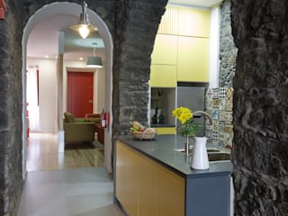 Nhà bếp phong cách mộc mạc bởi ARCO mais - arquitectura e construção Mộc mạc