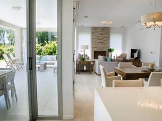 Salon de style  par Parrado Arquitectura,