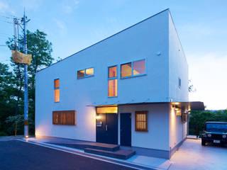Maisons originales par coil松村一輝建設計事務所 Éclectique