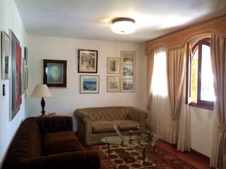 Casa en Santa Paula Salas de estilo clásico de TP TOP Caracas Clásico
