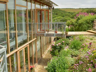 Porthcothan Responsive Home: modern Garden by Innes Architects