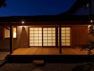 Casas de estilo asiático de でんホーム株式会社 Asiático