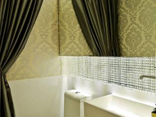 Baños de estilo moderno por Spengler Decor