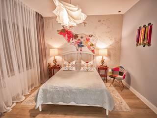 Skandynawia w stylu Folk: styl , w kategorii Sypialnia zaprojektowany przez Pracownia Architektury Wnętrz Hanny hildebrandt,