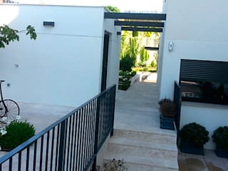 Vivienda en C/Blanca Castilla Casas de estilo moderno de AXIOMA ARQUITECTURA INTERIOR Moderno