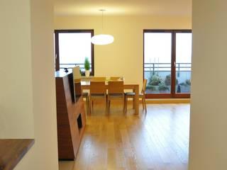 Mieszkanie na Służewcu: styl , w kategorii Salon zaprojektowany przez BFArchitekt
