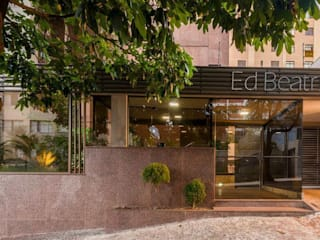 Office buildings by Vitra Vidros, Modern