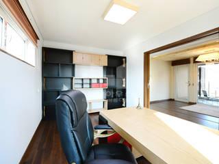 2층 서재룸: 코원하우스의  서재 & 사무실