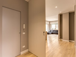 Corridor & hallway by MOB ARCHITECTS