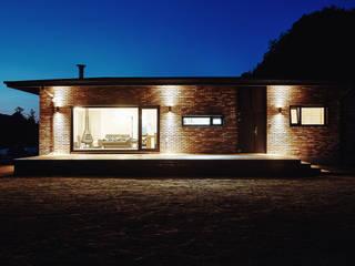 Modern home by the 1st penguin Modern