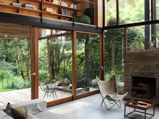 Salas de estilo rural por Arquitecto Alejandro Sticotti