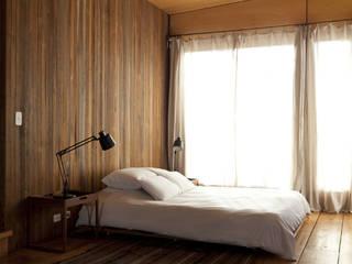 Casa OLIVOS Dormitorios rurales de Arquitecto Alejandro Sticotti Rural
