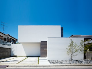 Modern houses by 小松隼人建築設計事務所 Modern