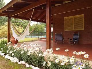 Maures Construcciones Classic style balcony, porch & terrace