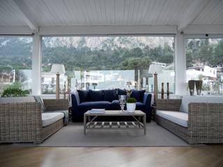 Corner & Relax Soggiorno in stile mediterraneo di EXCELSIOR HOME INTERIORS Mediterraneo