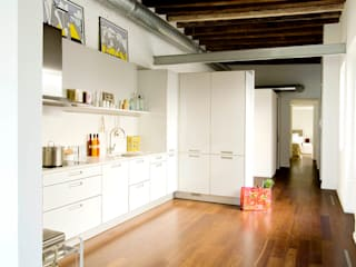 Modern Kitchen by Arquitectura Interior 88 Modern
