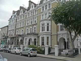 Redcliffe Square (Londra): Case in stile  di Alessandro Tosetti