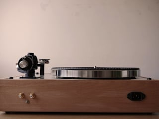 Plinto/base gira-discos feito por encomenda para a Vintage Audio Lisboa!:   por Pode Ser!,Moderno
