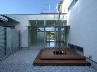 Modern style gardens by 有限会社 橋本設計室 Modern