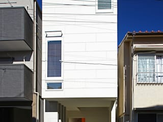 Houses by アトリエハコ建築設計事務所/atelier HAKO architects, Modern
