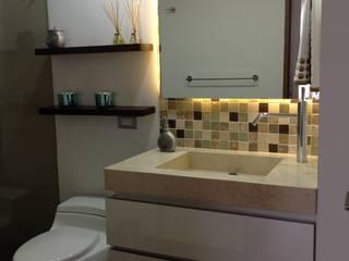 Baño Social: Baños de estilo  por ea interiorismo